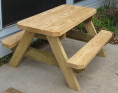 E Renshaw 's picnic table