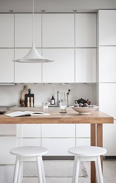 TDC: Kitchen in white and wood