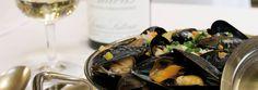 Die französische Brasserie Lipp aus Paris mitten in Zürich Seafood Place, Mussels, Zurich, Canning, Dinner, Oysters, Gourmet Foods, Suppers, Conservation
