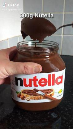 Nutella Snacks, Nutella Cookies, Chocolate Chip Cookies, 2 Ingredient Cookies, 2 Ingredient Recipes, Sweets Recipes, Cookie Recipes, Easy Snacks, Easy Meals