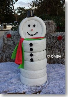 Creative Ideas - DIY Adorable Snowman Decor from Old Tires | iCreativeIdeas.com Follow Us on Facebook --> https://www.facebook.com/iCreativeIdeas