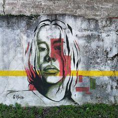 "274 curtidas, 2 comentários - Urban Art Porto (@urban_art_porto) no Instagram: ""Urban Art Porto in Vila Nova de Gaia Artwork by @_o_maria On a wall right beyond Holliday Inn…"""