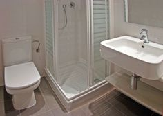Ba os peque os on pinterest google small bathrooms and - Banos modernos y pequenos ...