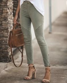 Your legs are beautiful, green ankle zipper jeans ankle zipper pants green skinny jeans with zippers tight green skinny jeans casual trousers slimming work pants for women Jeggings, Jeans Leggings, Outfit Jeans, Joggers, Skinny Pants, Skinny Fit, Sweat Pants, Denim Jeans, Espadrille Sneakers