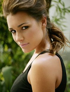 Alena Seredova by Raymond Evans Famous Celebrities, Celebs, Showgirls, Oras, Female Models, Women Models, How To Become, Diva, Beautiful Women