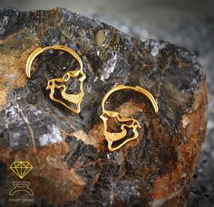 Hey, I found this really awesome Etsy listing at https://www.etsy.com/listing/488558527/sterling-silver-gold-plated-skull