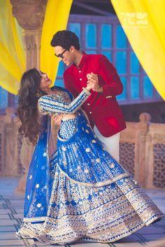 This cute & bubbly bride's wedding in Laxmi Niwas Palace, Bikaner has the most a… Wedding Couple Poses, Pre Wedding Photoshoot, Bridal Shoot, Wedding Shoot, Wedding Couples, Indian Bridal Photos, Big Fat Indian Wedding, Wedding Photography Tips, Bridesmaid Dresses