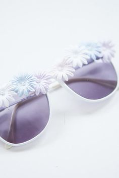 Embellished Sunglasses | 41 Amazing Free People-Inspired DIYs