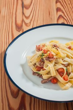 Tagliatelle com presunto Parma, pimenta vermelha e tomate | Cozinha do João