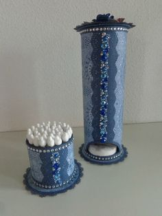 Pringles Can Bathroom Organizers Tin Can Crafts, Fun Crafts, Diy And Crafts, Arts And Crafts, Hair Tool Storage, Pringles Can, Recycle Cans, Diy Rv, Denim Crafts
