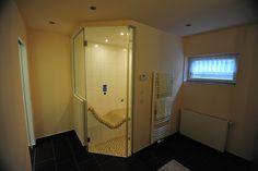 Steam bath / sauna  ##  Dampfbad im Keller
