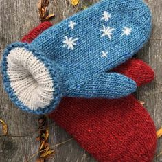 Ravelry: Double Stuff Mittens pattern by Cap Sease Double Knitting Patterns, Knitted Mittens Pattern, Knit Mittens, Knitting Stitches, Mitten Gloves, Baby Knitting, Knitted Hats, Crochet Patterns, Hat Patterns