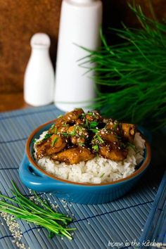 Honey Sesame Chicken-Honig-Sesam-Hühnchen A must for Asia fans. Honey and sesame chicken. The blast! You can find the recipe here. Thai Recipes, Shrimp Recipes, Asian Recipes, Appetizer Recipes, Crockpot Recipes, Chicken Recipes, Dinner Recipes, Healthy Recipes, Recipe Chicken