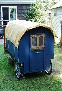 mini gypsy vardo back, small, bow top Gypsy Trailer, Bike Trailer, Gypsy Caravan, Teardrop Trailer, Tiny Trailers, Camper Trailers, Bike Motor, Cowboy Crafts, Tiny House
