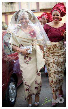 Nigerian Wedding Attire | ... 2012 0251 640x1024 The Traditional Yoruba Wedding of Bukky and Lekan