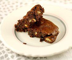 Whole wheat walnut cocoa brownies: no mixer necessary.