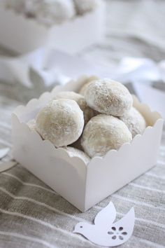 The description called these Italian Wedding Cookies. A friend of mine put macadamia nuts and it tasted like little drops of heaven❤❗ - so yummy.