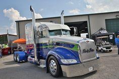 Brian Davis' 2015 Peterbilt 386 won runner-up at the Fitzgerald Truck Show in July. Peterbilt 386, Peterbilt Trucks, Show Trucks, Big Rig Trucks, Custom Big Rigs, Custom Trucks, Volvo, Trailers, Freight Truck