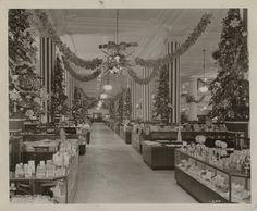 Main floor of Horne's Department Store decorated for Christmas, 1948. Horne's Department Store Photographs, MSP 398, Detre Library & Archives, Heinz History Center.