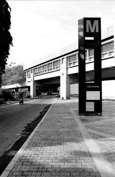 1983. Se termina la construcción y se incorpora a la Linea 1 del Metro de Caracas la Estación Caño Amarillo, diseñada por el arquitecto Mario Bemergui y construida por la empresa Técnica Cosntructora, CA (ingenieros Alfredo Rodriguez Delfino y Edgar Pardo
