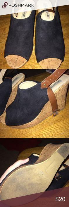 Black and Tan American Eagle wedges Super cute and easy to walk in! Black and Tan American Eagle wedges American Eagle Outfitters Shoes Wedges