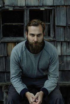style for the urban beardsman Handsome Bearded Men, Hairy Men, Beard Styles For Men, Hair And Beard Styles, Hipsters, Oscar 2017, Beard Rules, Mustache Men, Perfect Beard