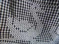 Broderie Suisse, Chicken scratch, Swiss embroidery, Bordado espanol, Stof veranderen... Vintage Black and White Gingham Apron with White