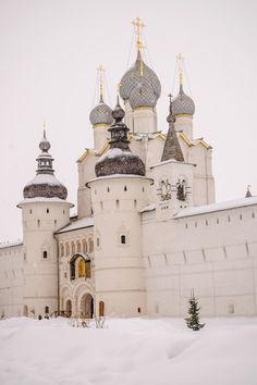Rostov kremlin in winter time , snowing. Russia Winter, Russian Architecture, Russian Culture, Old Money, Travel Humor, Imperial Russia, Winter Time, Winter Snow, Animal Quotes