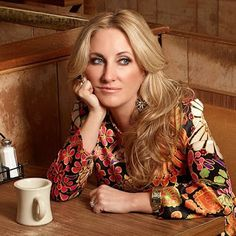 """""""New"""" Lee Ann Womack video from her fabulous 2014 album """"The Way I'm Livin'."""" The Hayes Carll penned """"Chances Are"""" surprises fans and A. Best Country Music, Country Music Singers, Lee Ann Womack, Country Women, Love Songs Lyrics, Latest Albums, Hard Rock, Role Models, Beautiful People"""