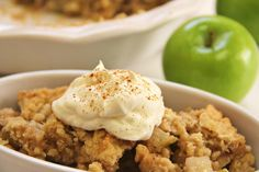 Make the Best Darn Healthy Apple Crisp Recipe Ever! Make the Best Darn Healthy Apple Crisp Recipe Ever! Crock Pot Apple Crisp Recipe, Apple Recipes Easy, Paleo Recipes, Cooker Recipes, Recipes Dinner, Crockpot Recipes, Yummy Recipes, Apple Crisp Easy, Slow Cooker Apples