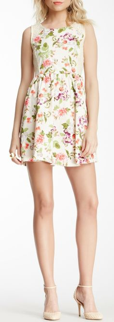 Romeo & Juliet Couture Floral Print & Lace Dress