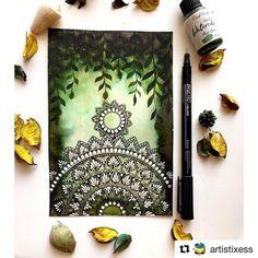 Mandala Art Lesson, Mandala Artwork, Mandala Painting, Mandala On Canvas, Doodle Art Drawing, Cool Art Drawings, Mandala Drawing, Watercolor Mandala, Madhubani Art