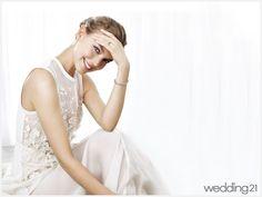 Luxury Branding, Wedding Dresses, Fashion, Bride Dresses, Moda, Bridal Gowns, Fashion Styles, Weeding Dresses, Wedding Dressses