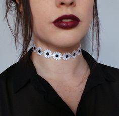 Daisy Choker Necklace