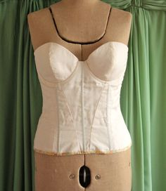 Blog post and thoughts on Bustier construction.