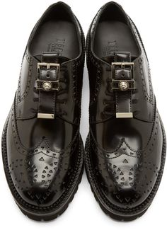Versus Black Leather New Brogue Shoes Sock Shoes, Men's Shoes, Shoe Boots, Dress Shoes, Shoes Men, Brogues, Loafers Men, Derby, Funky Shoes