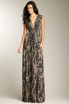 The shoulder part of this maxi dress is much more flattering than spaghetti straps and it draws attention on your cleavage instead of the tummy, thighs and flabby arms.