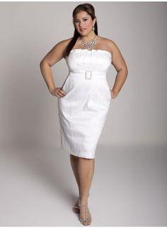 Vestido tomara que caia para noivas plus size