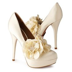 Collection featuring Christian Louboutin Sandals, KG Kurt Geiger Pumps, and 98 other items Pretty Shoes, Cute Shoes, On Shoes, Me Too Shoes, Shoe Boots, Roger Vivier, Cream Shoes, Gorgeous Heels, Wedding Shoes