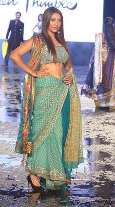 Pooja Missra at Manish Malhotra's fashion show #Bollywood #Fashion