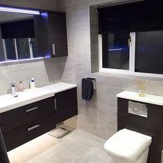 Oakwood Bespoke in Camberley, Surrey, have some stunning displays with Pura Bathrooms Group brassware, sanitaryware and accessories #mirror #pura #deuco