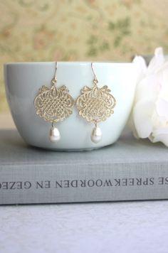 Lace Filigree Gold Earrings, Swarovski Ivory Pearl Earrings. Bridal Earrings. Wedding Gift. Bridesmaids Gift. Vintage victorian Inspired.