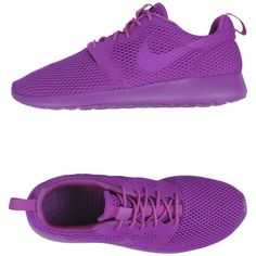 Nike Low-tops & Trainers ($115) ❤ liked on Polyvore featuring shoes, sneakers, purple, round toe sneakers, nike, flat shoes, purple sneakers and low top