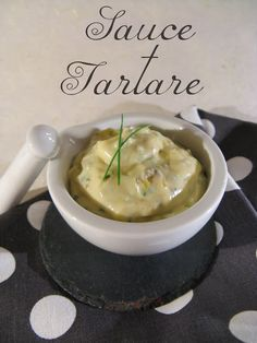 Tartar sauce is one of my favorites. Raised and full of flavors, it accompanies as well a fish, as a meat or even a … Source Cooking Sauces, Cooking Recipes, Healthy Food Alternatives, Healthy Recipes, Dips, Marinade Sauce, Tartar Sauce, Cook At Home, Seasoning Mixes