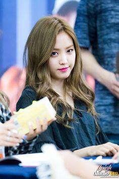 #Naeun #APink South Korean Girls, Korean Girl Groups, The Most Beautiful Girl, Beautiful Women, Apink Naeun, Son Na Eun, Autumn Garden, Japanese Girl, Kpop Girls