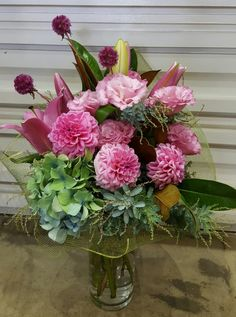 Want to surprise your mom? Order Fresh mother's day flower from CP Flower Shop! Special Flowers, Mothers Day Flowers, Love You Mum, Mothers Day Special, Enchanted Garden, Melbourne Australia, Chelsea, Custom Design, Floral Wreath