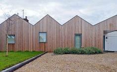The Lanes, Mole Architects, Siberian larch facade Roof Architecture, Residential Architecture, Wooden Facade, Wooden Houses, Modern Roofing, Modern Exterior, Steel Roofing, Tin Roofing, Roofing Shingles