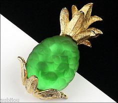 """Description: Vintage signed Napier figural pineapple brooch, gold tone metal, frosted glass insert. Designer/Makers Marks, Hallmarks, Tags: Napier. Age: Circa 1950's-1960's. Dimensions: 1.8""""x1"""" Condit"""