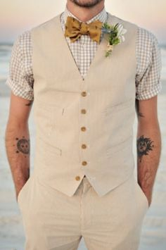 It's so hot now that I can't imagine a groom wearing the whole suit with a vest and jacket – that's kind of crazy! So how about a cool groom look without a jacket? There are several options: wearing a vest, wearing just a shirt with suspenders...