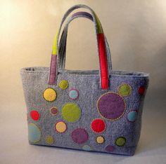 Colorful Dots Applique Tote Handbag - Stuff that inspires . - Colorful Dots Applique Tote Handbag – Stuff that inspires … - Diy Bags Purses, Felt Purse, Patchwork Bags, Denim Bag, Fabric Bags, Handmade Bags, Bag Making, Reusable Tote Bags, Photo Tutorial